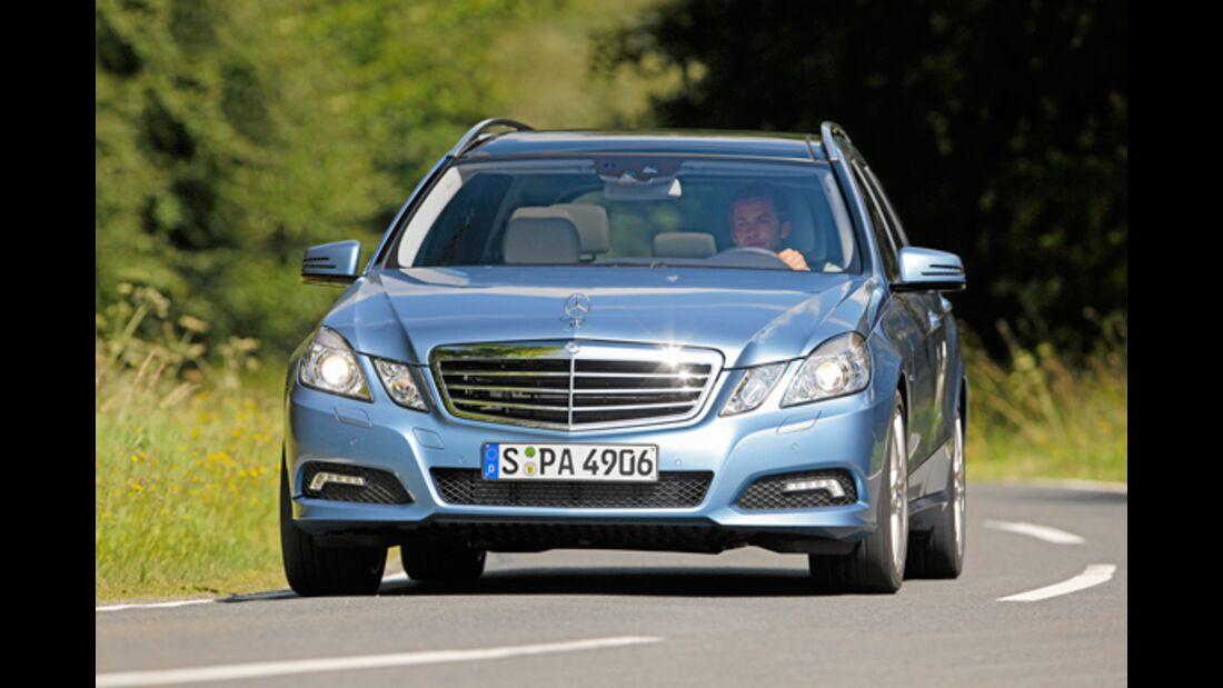 CAV 0911 Zugfahrzeuge perfektes Auto - Kombi - Mercedes E-Klasse