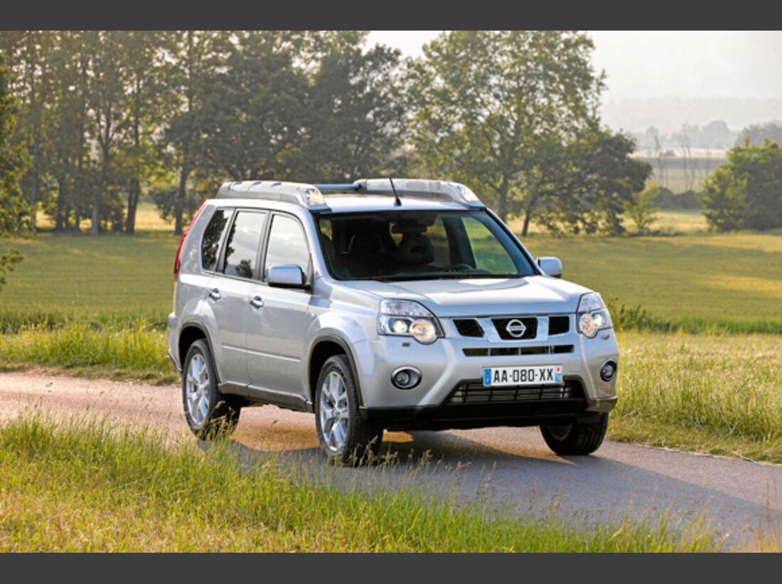 CAV 0911 Zugfahrzeuge perfektes Auto - SUV - Nissan X-Trail