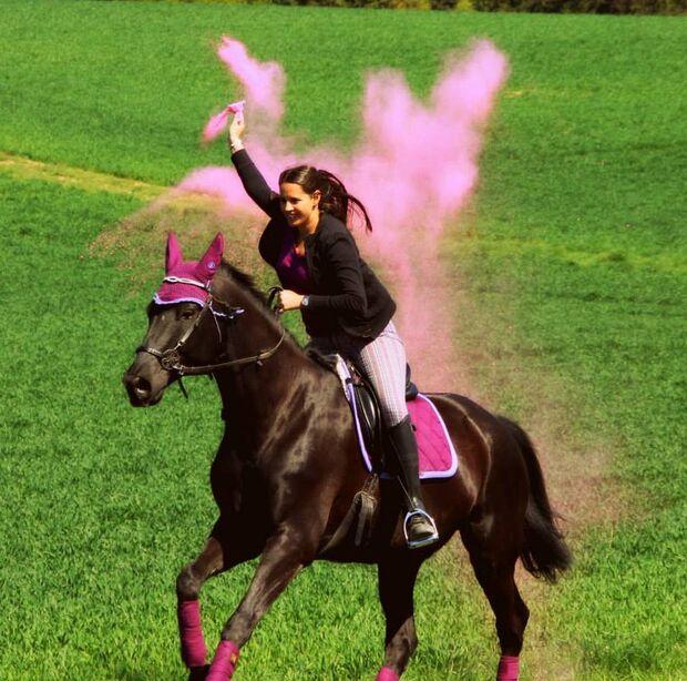 CAV Fan-Pferde A Leserfotos Mona