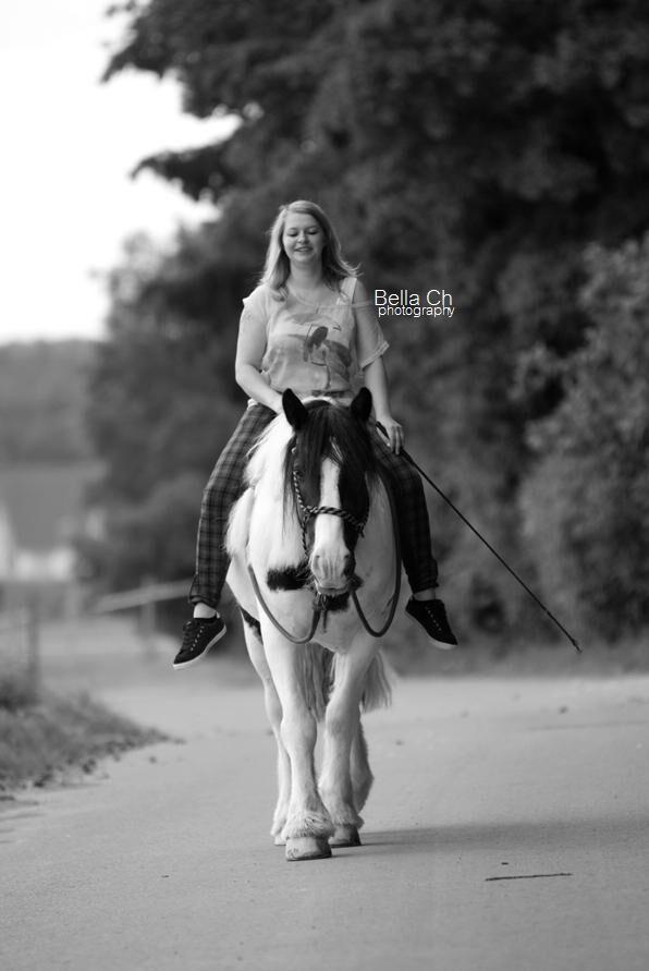 CAV-Fan-Pferde-Leseraktion-2013-Lena (jpg)