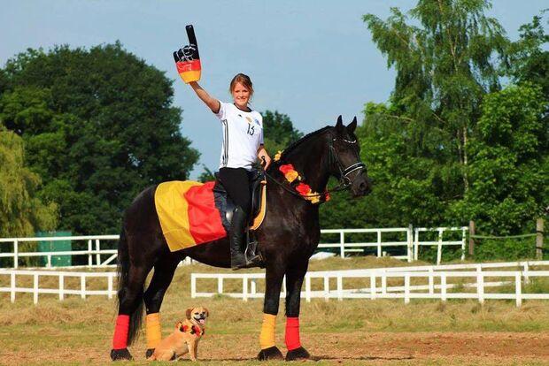 CAV Fotowettbewerb BR ballverrückte Pferde Lucy Schmidt