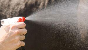 CAV Gift in Pflegemitteln Teaser Spray