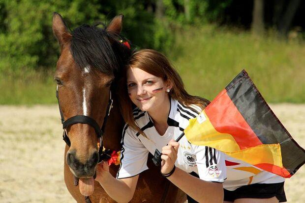 CAV-Leseraktion-Fussball-WM-2014-Vanessa-Gerner (jpeg)