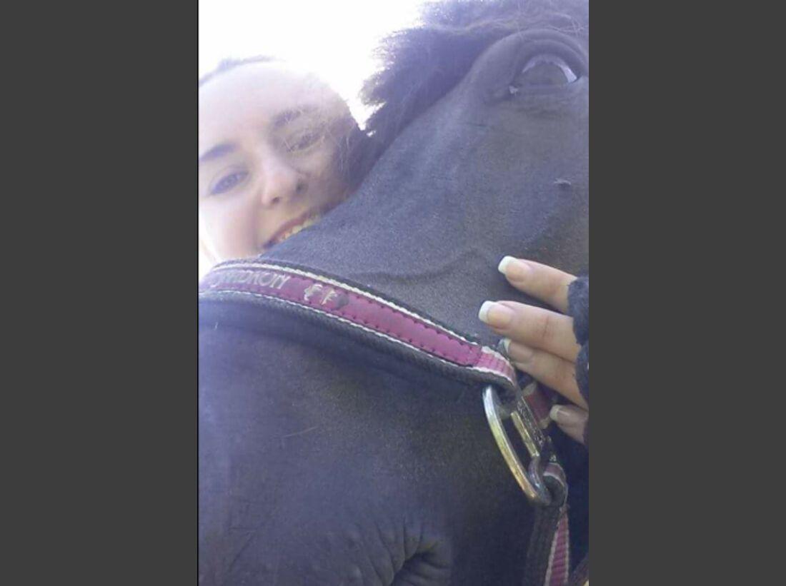 CAV Leserfotos Selfies Pferde Joy