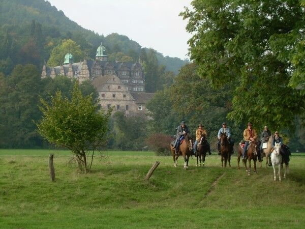 CAV MS Weserbergland zu Pferd_09 (JPG)