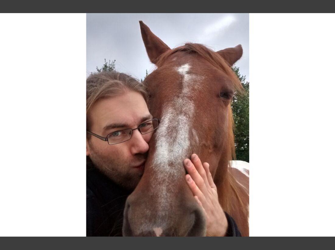 CAV Maenner lieben Pferde Julian Gran