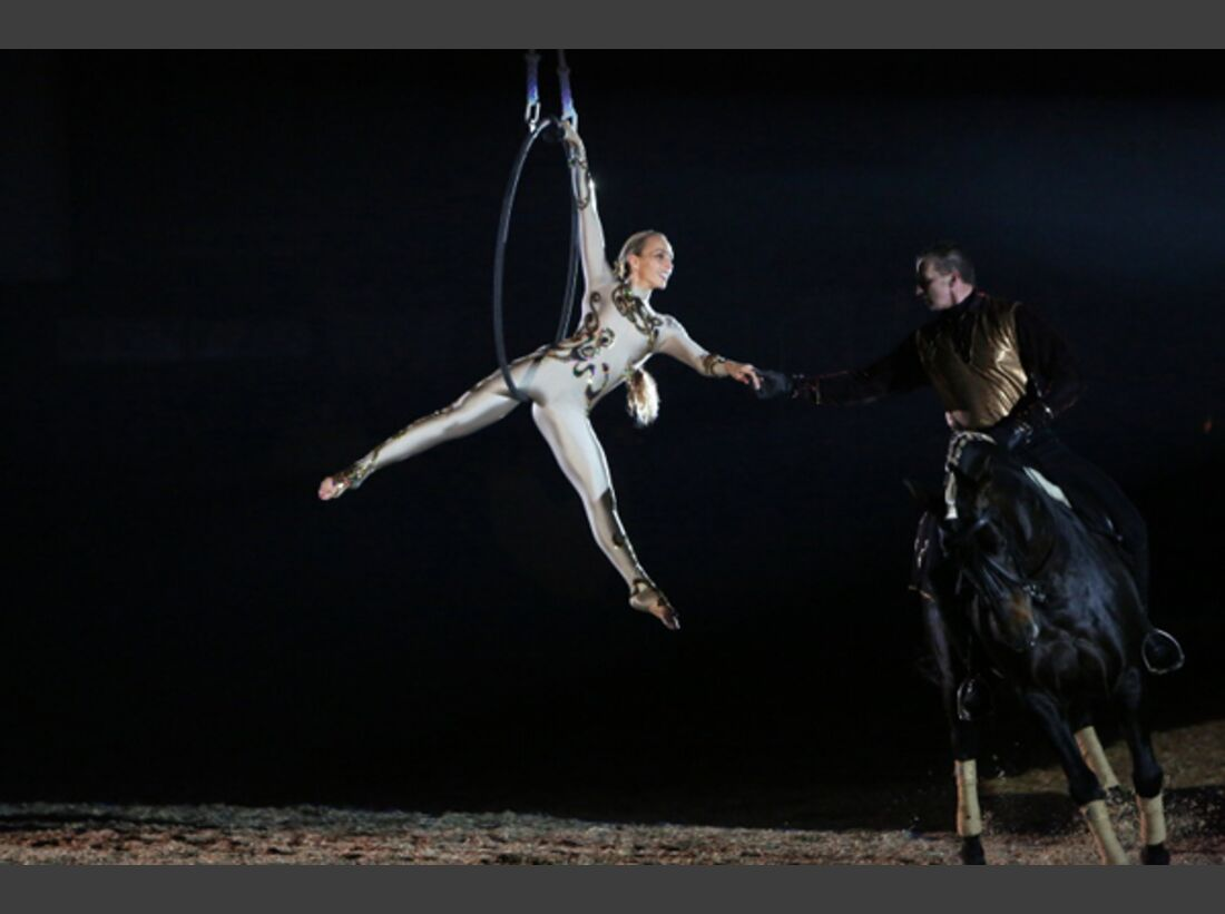 CAV Oliver Jubin Tanzende Beine Show 12