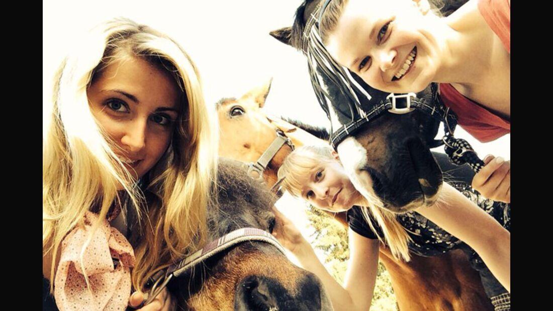 CAV-Pferde-Selfie-Leseraktion-2014-Sandra-Klimek (jpg)