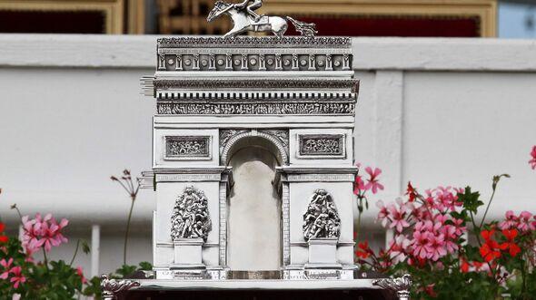 CAV Prix de l Arc de Triomphe 2014 2 (JPG)