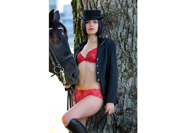 CAV Reitkalender Damen Pin-Up Kalender MS_09