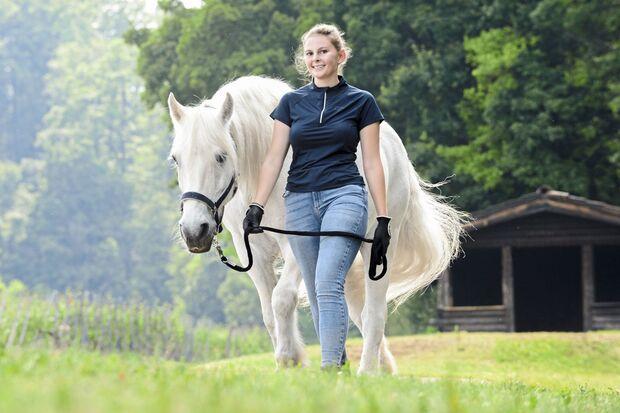 Zu Fuß unterwegs mit Pferd