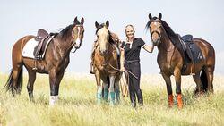 cav-201811-die-drei-1500-aufmacher-0R6A6714-b-hfr-nora-smith-slash-das-gestiefelte-pferd-v-amendo (jpg)